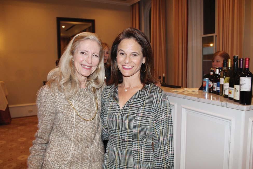 Mimi Hurst, Jennifer Ronnel