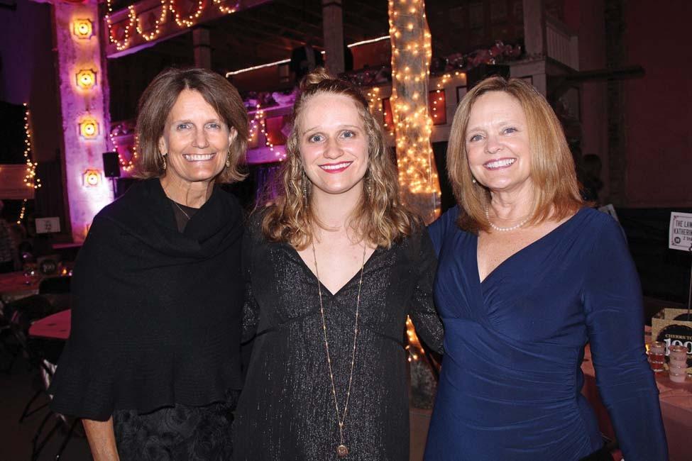 Tori Garrett, Victoria Chandler, Julie Talley
