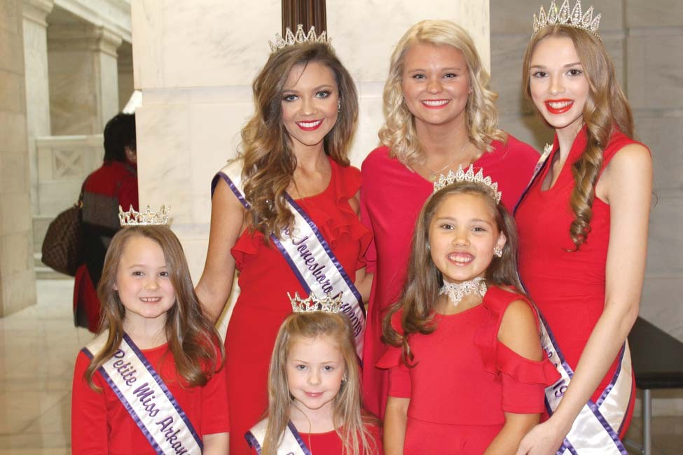 Top Row Whitney Tull, Sarah Jane Frick, Abby Smith, Front Row Ella Caubble, Julianne Moss and Kynder Bracken