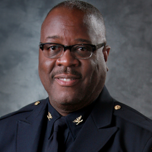 Former Oklahoma Police Chief Sworn In as Little Rock Chief