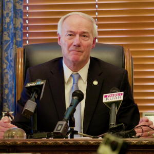 Asa Hutchinson Releases Plan to Spread Broadband Statewide