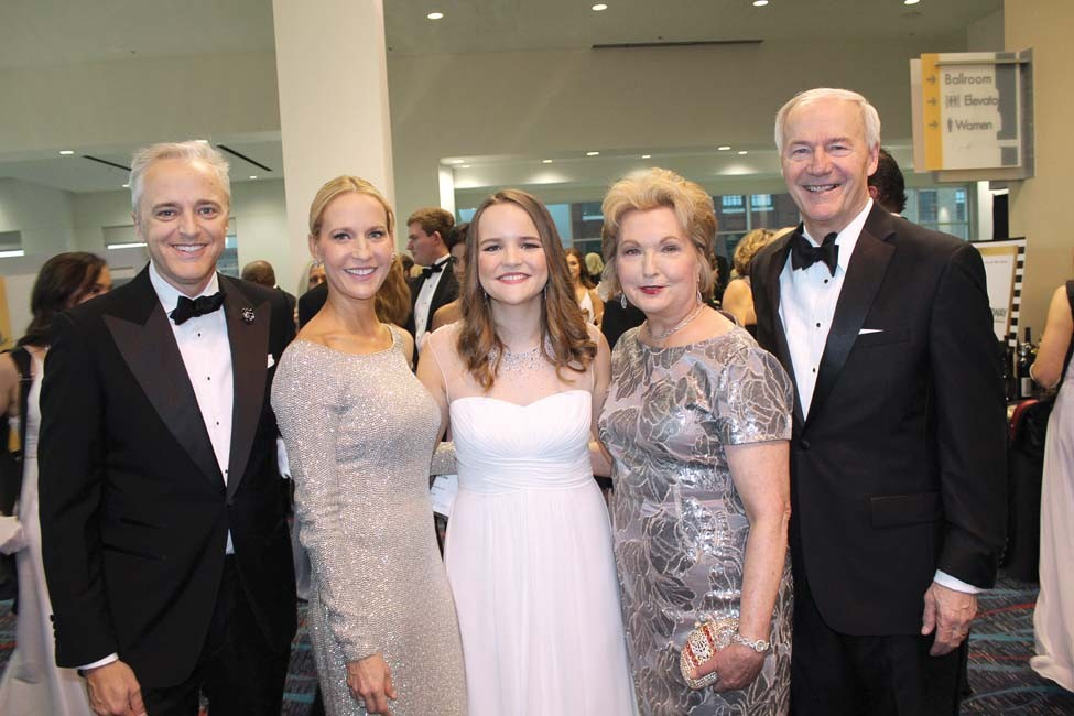 Dave and Sarah Wengel, Ella Beth Wengle, Susan and Gov. Asa Hutchinson