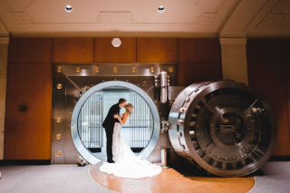 Allison + Lance's Modern Glam Memphis Wedding