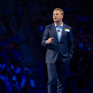 Walmart's CEO Sees Total Compensation Climb Slightly