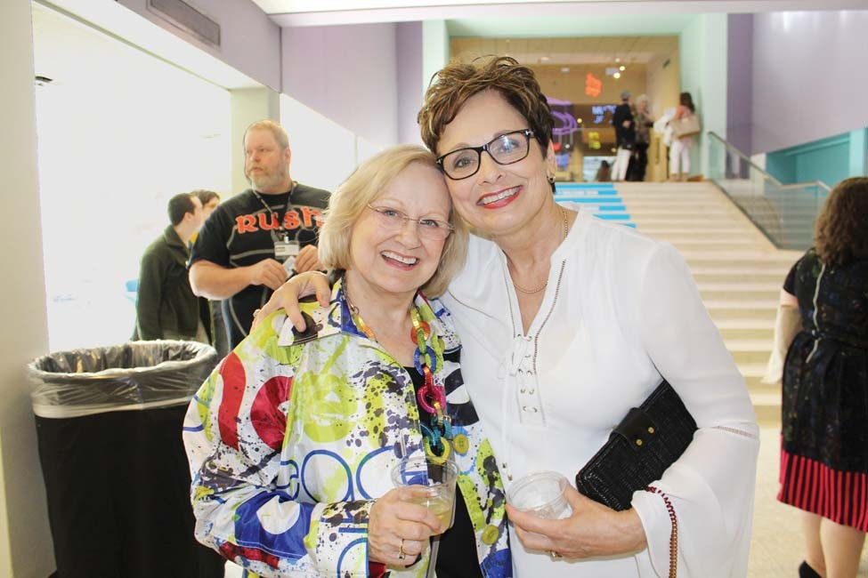 Phyllis Barrier, Patty Waddell