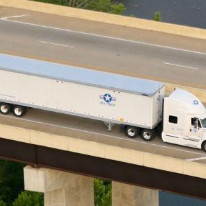 USA Truck Reports Profitable Quarter, Year