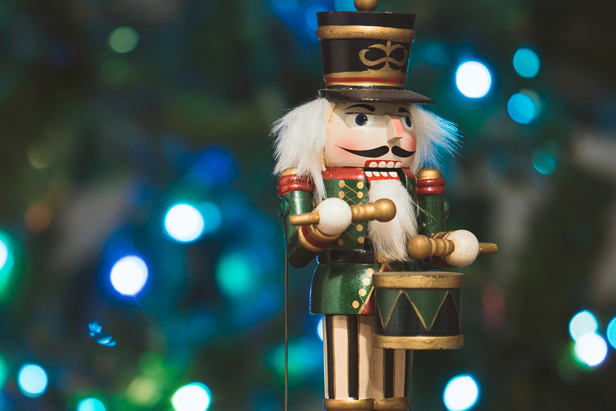 AB 129459 NUTCRACKER TOY SOLDIER shutterstock_531471253