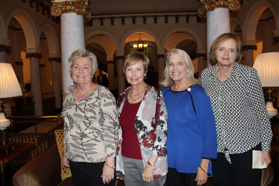 Sandra Case, Myra Hyde, Sharon Heflin, Linda Evans