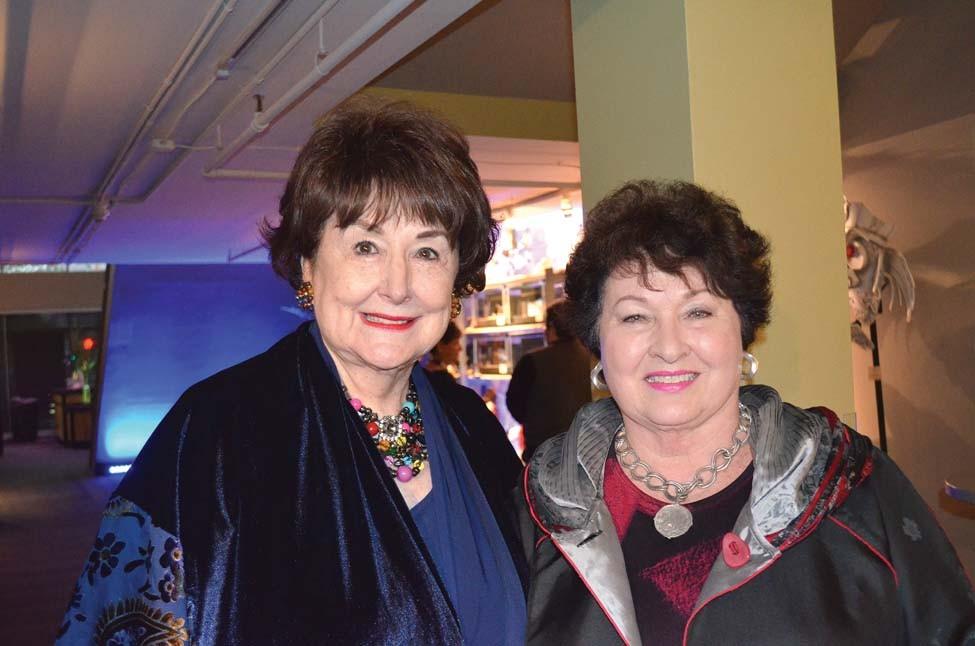 Dorothy Morris, Linda Palmer