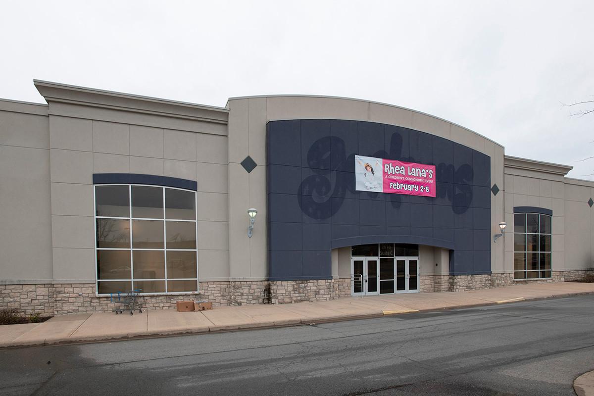 Shackleford Crossings' $10.5M Sale Underlines Retail Woes