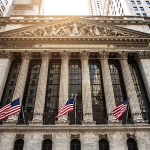 Losses Accelerate on Wall Street As Wild Swings Continue