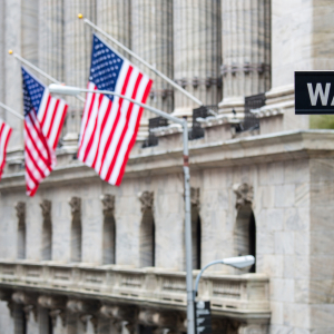 US Stocks Higher After Trump Signs $900B Aid Package