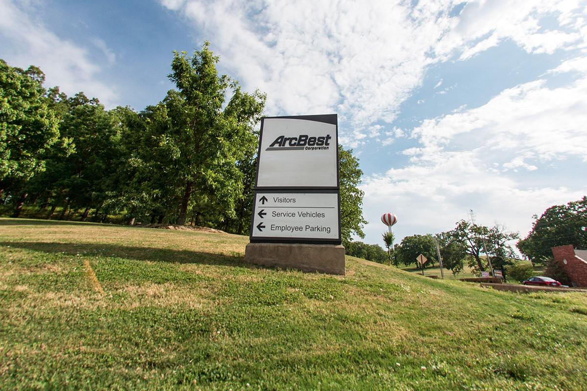 ArcBest's Thorne Retiring; Runser Named Replacement