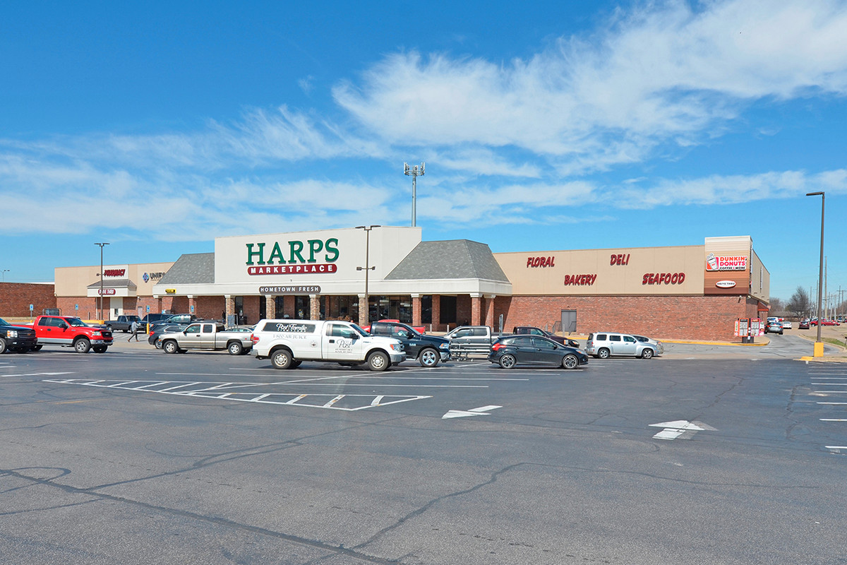 Harps Food Store Sells for $5.9M (NWA Real Deals)
