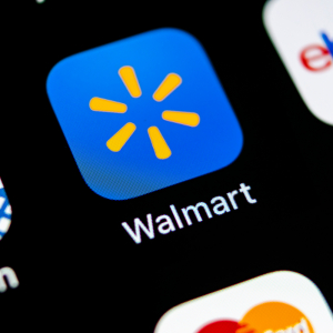 Walmart, Amazon Offer Early Start on Holiday Shopping