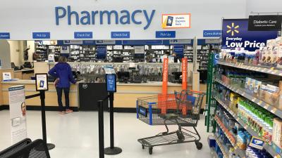 Walmart Asks Judge to Toss Opioid Case