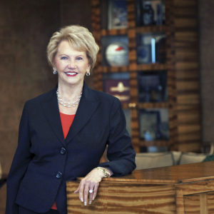 Johnelle Hunt to Receive 'Legacy of Leadership' Honor