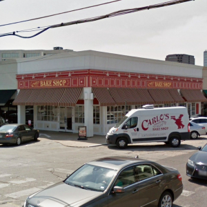 Simmons Bank Reconfigures Dallas, Nashville Offices