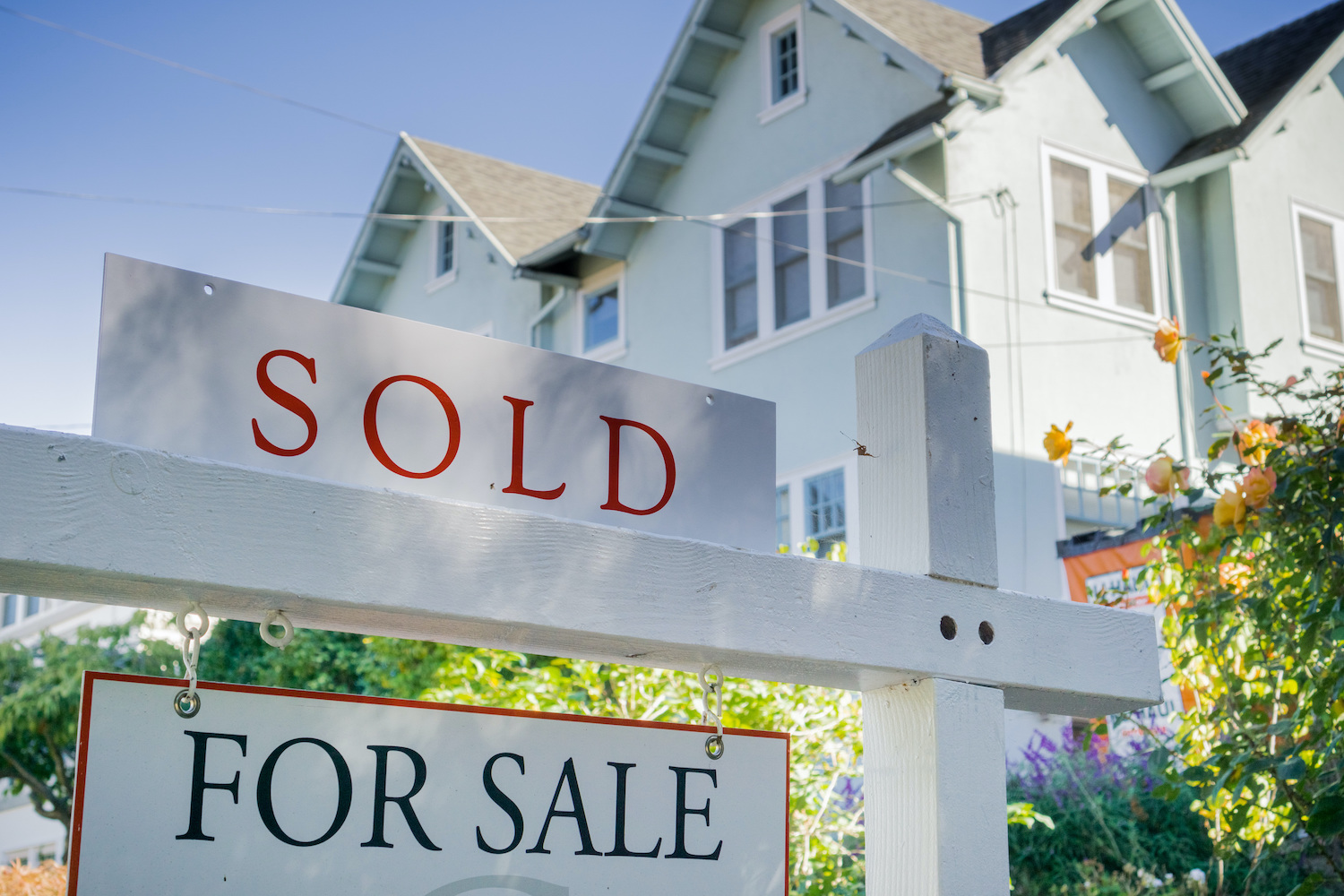 Existing US Home Sales Fell in August, Price Growth Slows