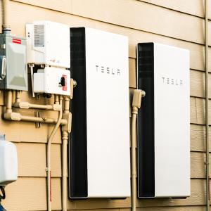 Batteries Surging, But Arkansas Solar Leaders Feel Price Pressures
