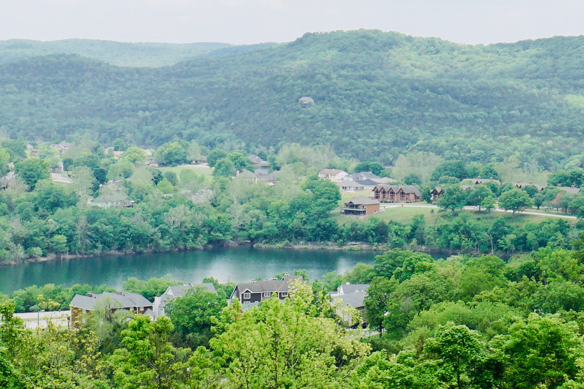 Table Rock Lake, along with two golf courses, is the main attraction at Holiday Island, and lakefront properties have largely been bought up.
