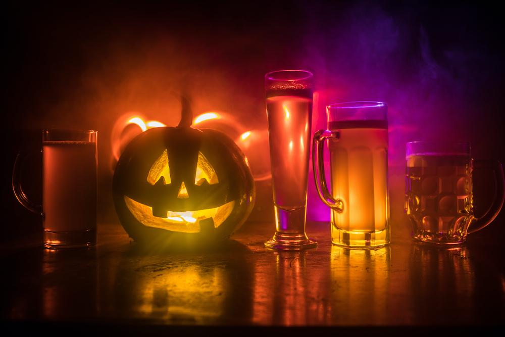 Halloween drinks, pumpkin, jack-o'-lantern