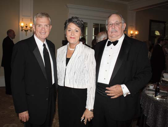 Mike and Susan Akin, Tom Schueck