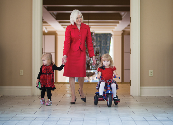Ginger Beebe & granddaughters stroll tricycle