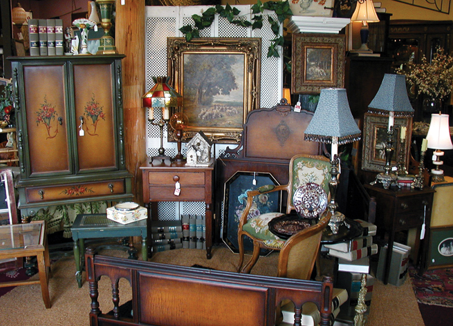 Fabulous Finds Antique & Decorative Mall