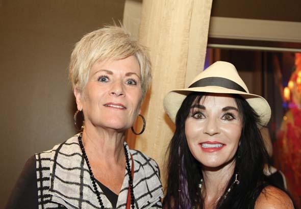 Melinda Markus, Linda Harding