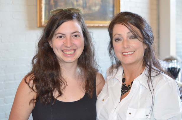Sarah Carney with her mother, Lisa Holloway-Sugg