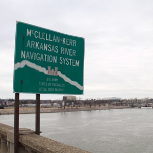 Fort Smith, Fayetteville Mayors See Need for Deeper Arkansas River