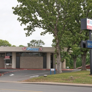 LaFrances Lead Investors Through Wisconsin's Greenwood's State Bank