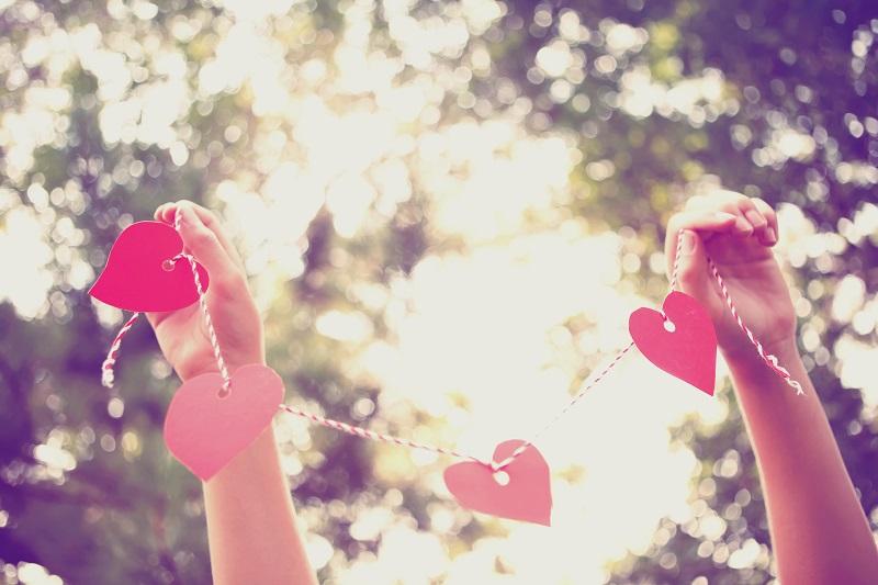 heart garland, hearts, valentine's day