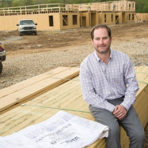 Contractors See Construction Business Pick Up in 2014