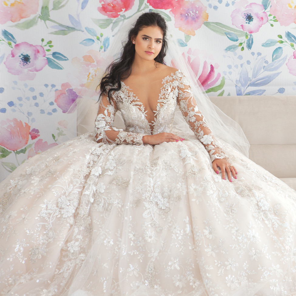 Wedding Gowns Accessories: Love Abloom: Wedding Gowns & Accessories For The Spring
