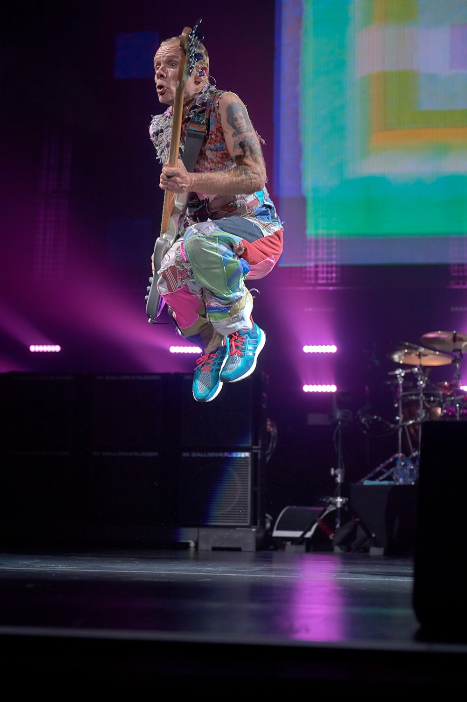 photos red hot chili peppers at verizon arena little rock soiree magazine. Black Bedroom Furniture Sets. Home Design Ideas