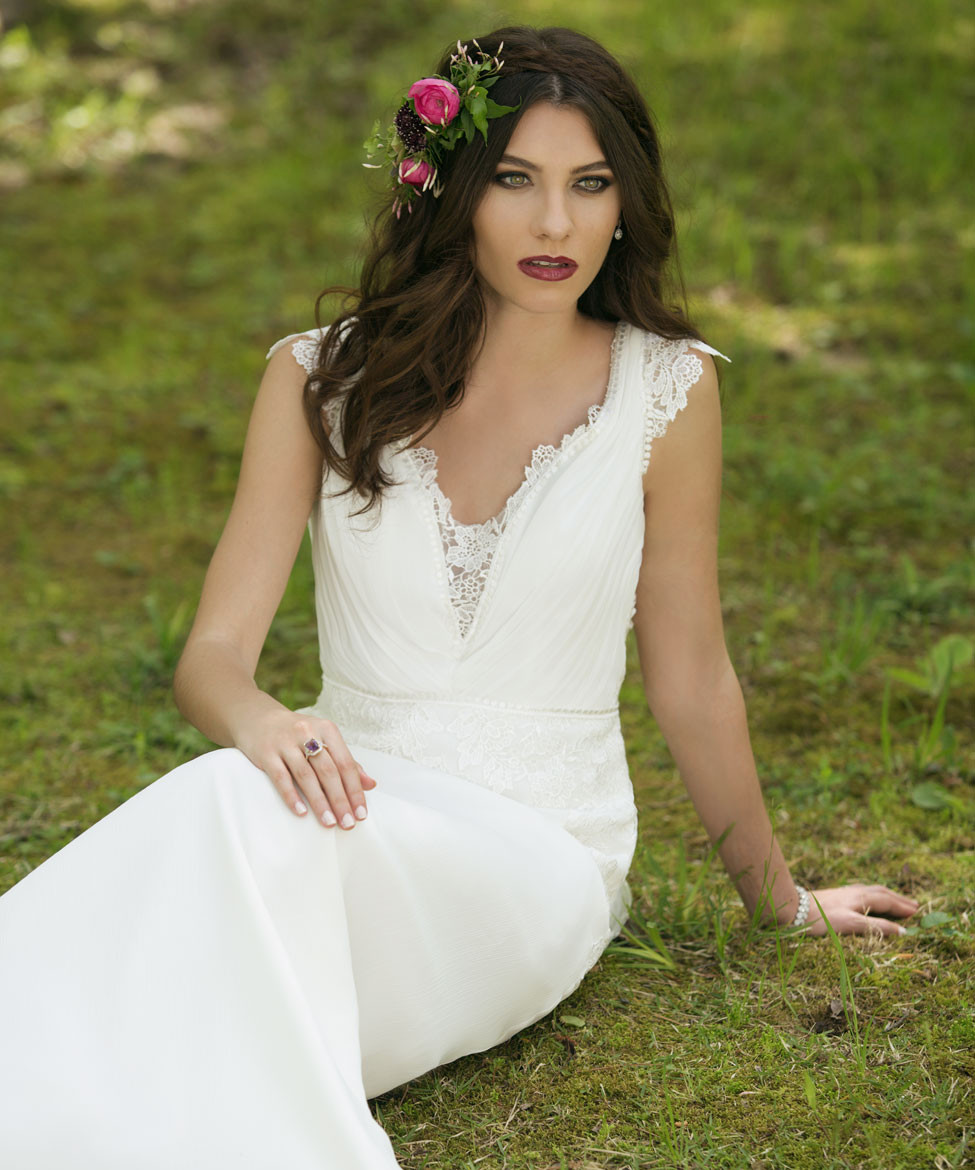 Wedding Gowns Accessories: Wild Abandon: Wedding Gowns, Tuxedoes & Accessories For