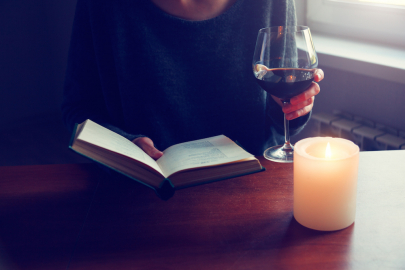 How to Pair a Good Wine with a Good Book