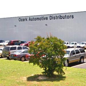 Auto Parts Warehouse Hosts $3.6 Million Sale (Real Deals)