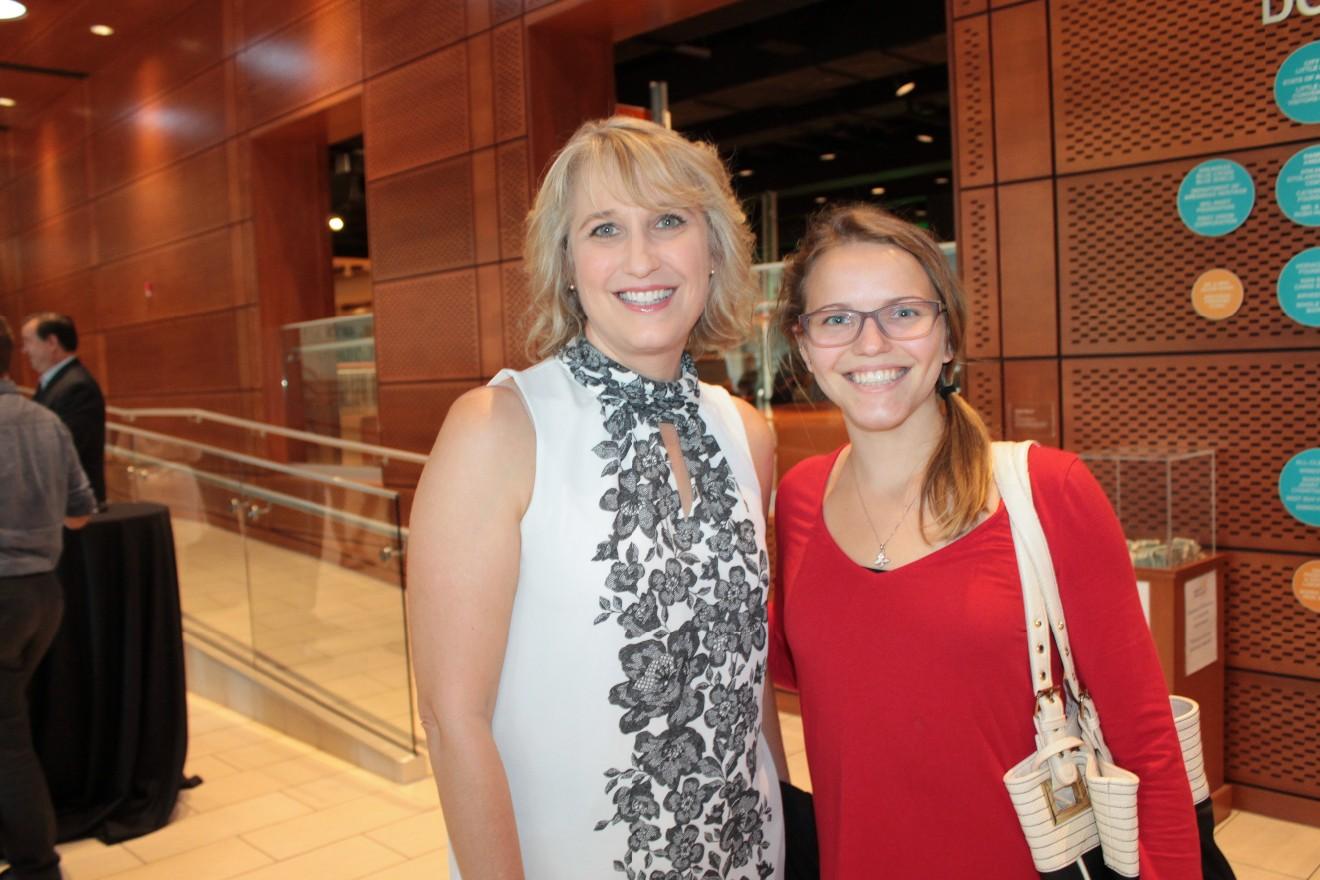 Kathy French, Elaine French