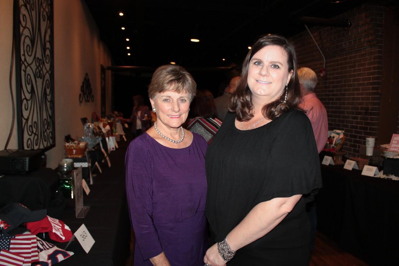 Kathy Williamson, Gaye Williamson
