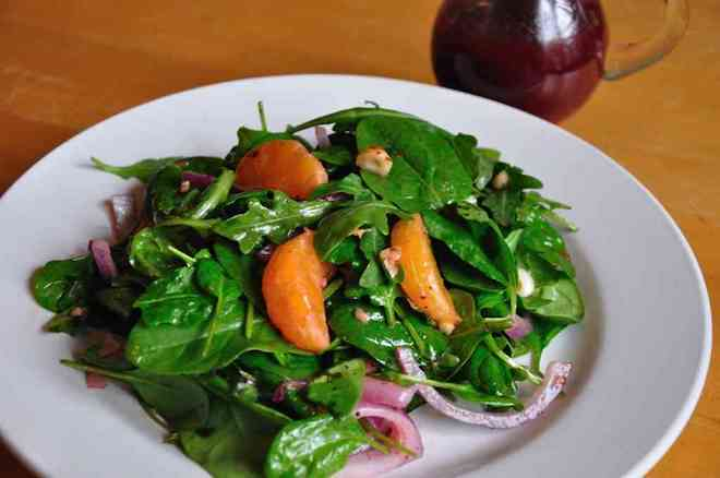 Leafy Green Salad with Hazelnut Raspberry Vinaigrette