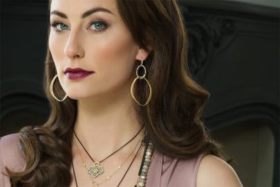 The Way She Wears It: Bold Jewels, Dramatic Femininity