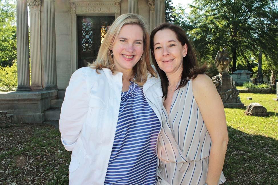 Allison Pickell, Janis Thibault