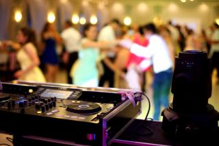Music to Our Ears: Popular Arkansas Wedding Songs