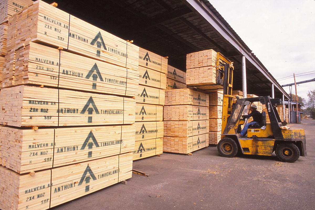 Driver Dearth Chips at Arkansas Timber Industry – Tree Frog