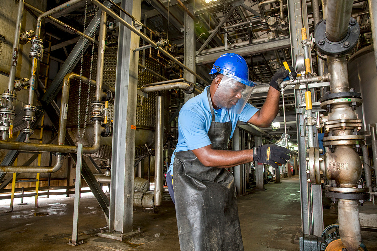 Green Markets Draw Enviro Tech, Solfuels to Delta