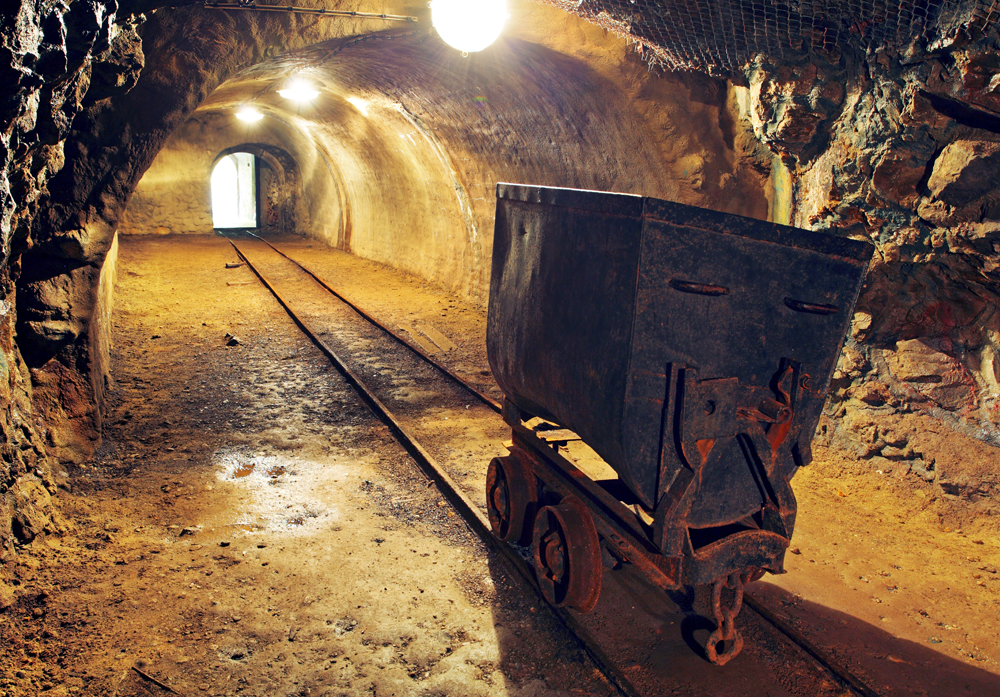 time-to-invest-in-gold-miners-consider-these-four-factors-first