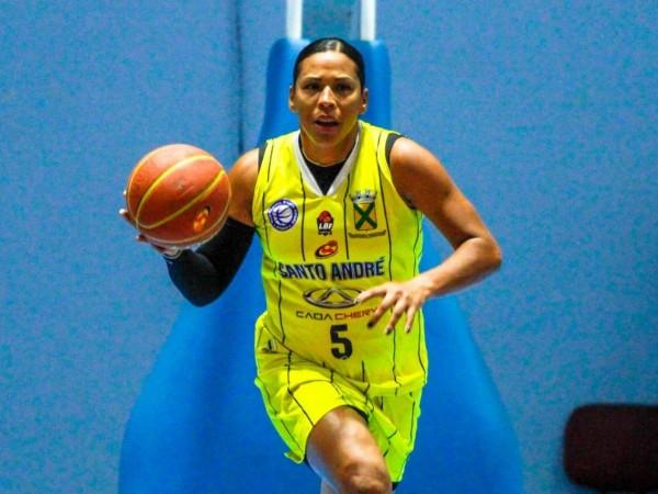 .:: basketball_santo_andreapaba_renova_com_ariadna_felipe_50593_1_pt_051942.jpg ::.